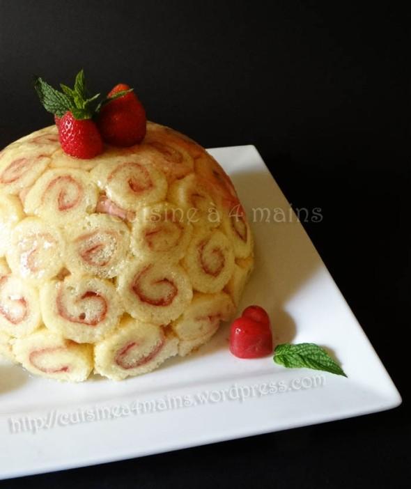 Charlotte royale aux fraises pour le daring baker du mois for Cuisine 4 mains